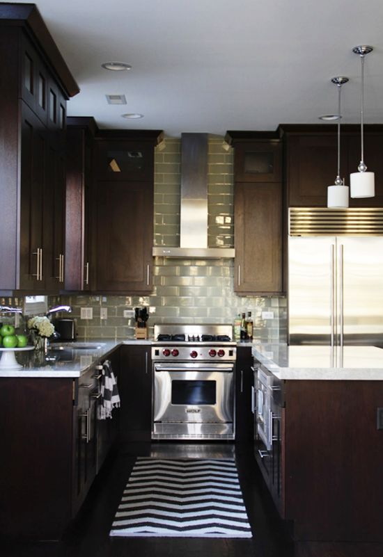 Stain kitchen cabinets this color.Dark Kitchens, Beautiful Kitchens, Dreams Kitchens, Countertops, Contemporary Kitchens Design, Dark Cabinets, Subway Tiles, Kitchen Designs, Chevron Rugs