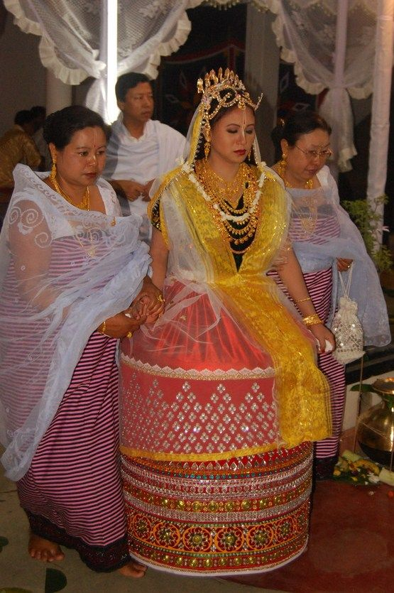 Manipuri Bride In Traditional Dress Potloi And Crown Kok South Asian Weddings Pinterest