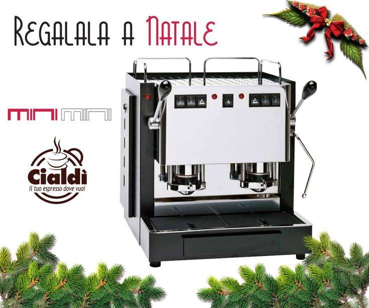 """IL #NATALE STA ARRIVANDO e già si respira nell'aria quella sottile """"ansia da regalo""""... : Regala un'esperienza e scegli caffè Cialdi:  http://www.cialdi.it/macchine-caffe-horeca-soluzioni-bar-ristoranti/ #christmas   #coffee   #gift"""