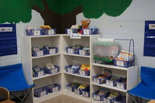 Once Upon a First Grade Adventure: Classroom Library Organization! Free book basket labels, leveling charts, and more!