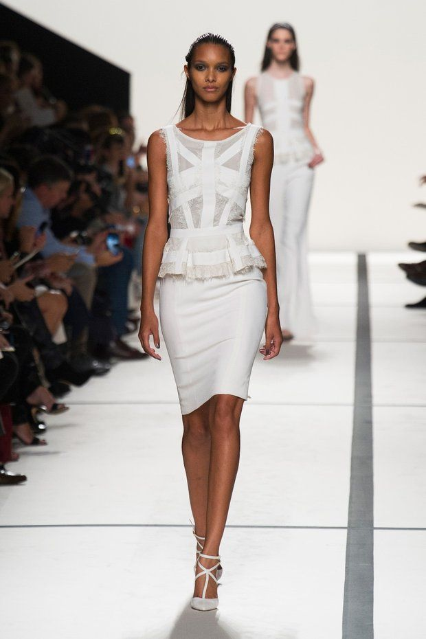 #kamzakrasou #sexi #love #jeans #clothes #coat #shoes #fashion #style #outfit #heels #bags Elie Saab letná kolekcia
