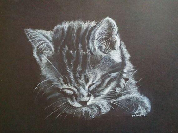 Dessin noir et blanc d 39 un chaton dormant paisiblement - Dessin fond noir ...