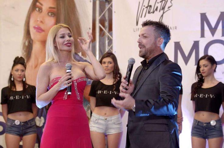 A Giugliano la finalissima di Miss Mondo Campania con l'attrice Giulia Montanarini e altri vip a cura di Redazione - http://www.vivicasagiove.it/notizie/giugliano-la-finalissima-miss-mondo-campania-lattrice-giulia-montanarini-altri-vip/