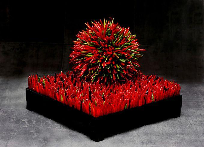 ニコライ・バーグマンの展覧会『伝統花伝』東京・丸の内で開催 - フラワーアートと日本の伝統工芸を融合 | ニュース - ファッションプレス