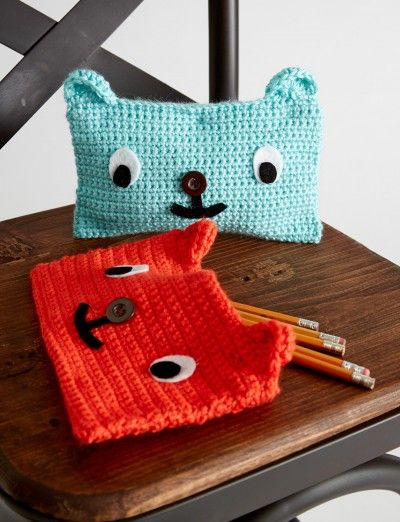 Friendly looking crocheted cases, sure to put a smile on your face: free pattern༺✿Teresa Restegui http://www.pinterest.com/teretegui/✿༻