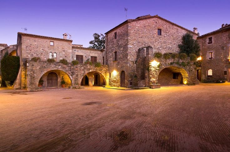 Place: #Monells, #Girona / #Catalunya, #Spain. Photo by Joan Trias (flickr.com)