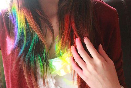 Zo wilt mijn dochter graag haar haren kleuren (regenboog kleurtjes alleen bij puntjes in haar haren)