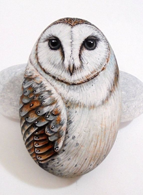 Painted stone Barn Owl ! Is Painted with high quality Acrylic paints and finished with Glossy varnish protection.