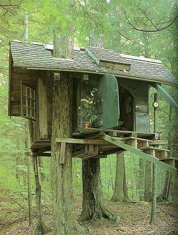 Wow cute treehouse