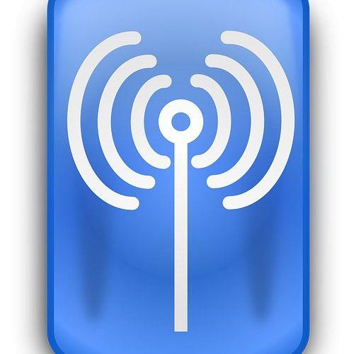 Fibernett er et bredbåndsystem som overfører datasignaler ved hjelp av lys via en fiberoptisk kabel. Lyset, som ofte kommer fra en laser, blir sendt gjennom en kjernetråd laget av glass eller plast med en diameter på en brøkdel av et hårstrås tykkelse. Lyset overføres i lysets hastighet og gir dermed høye hastigheter og minimal motstand.