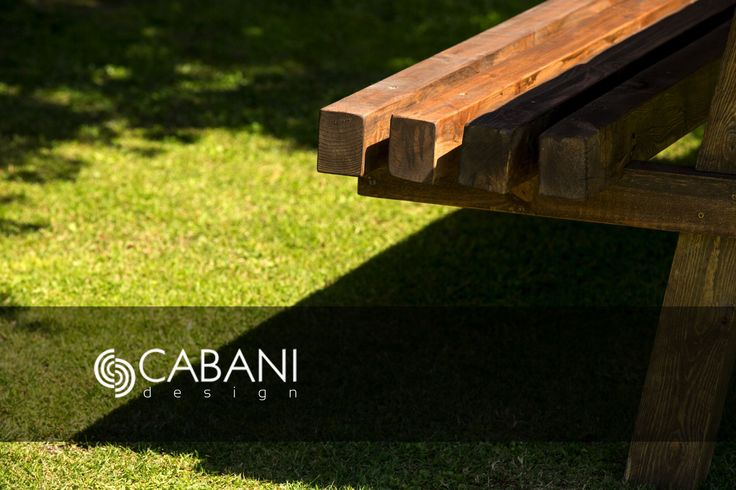 Mesa exterior SEGOVIA, con estructura maciza y sobre a base de mosaico personalizado para cliente de diferentes texturas y maderas #cabanidesign #mueble #exterior #diseño #mosaico #palet