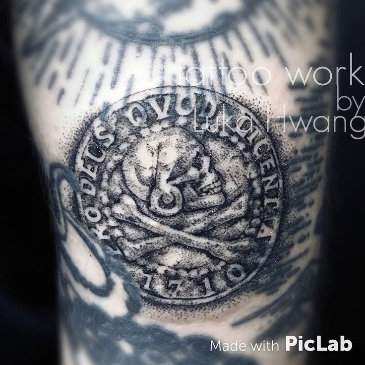 Tattoo work. #tattoo #tattoos #art #artwork #dots #dotwork #dotworktattoo #game #gametattoo #uncharted #uncharted4 #unchartedtattoo #pirate #ink #inked #artist #guangzhou #guangzhoutattoo #girlswithtattoos by lukahwang