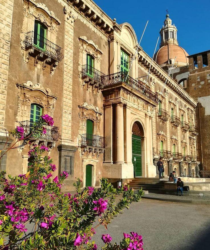 Catania Villas   www.casalio.com  