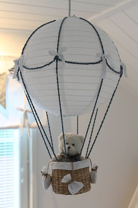 Bear in hot air balloon