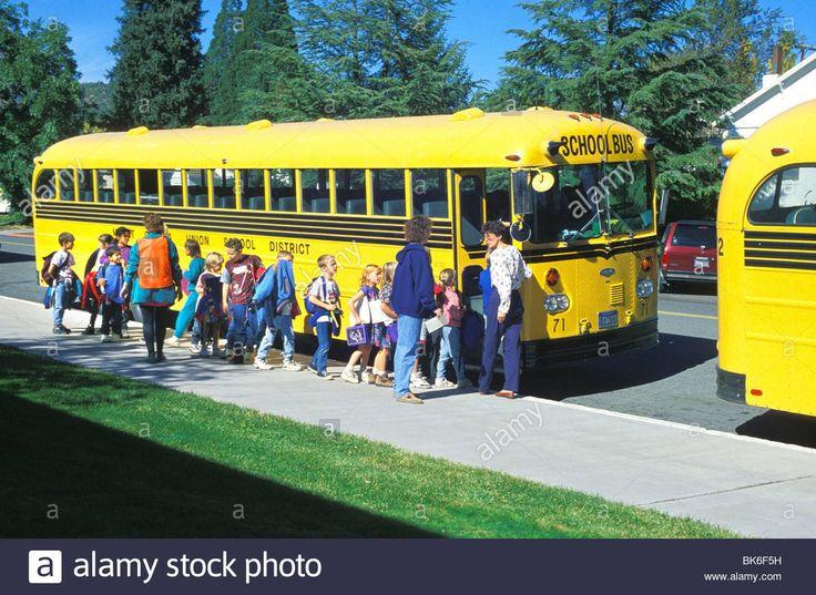 Gillig school bus