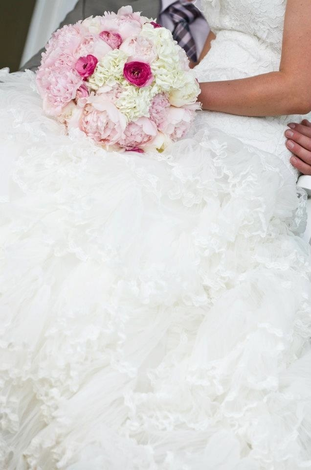 Pink flowers and lace. #weddingbouquet