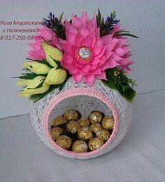 Con hilo, estambre o lana puedes crear hermosas esferas o figuras para decorar una fiesta o para utilizarlos como simples obsequios. ...