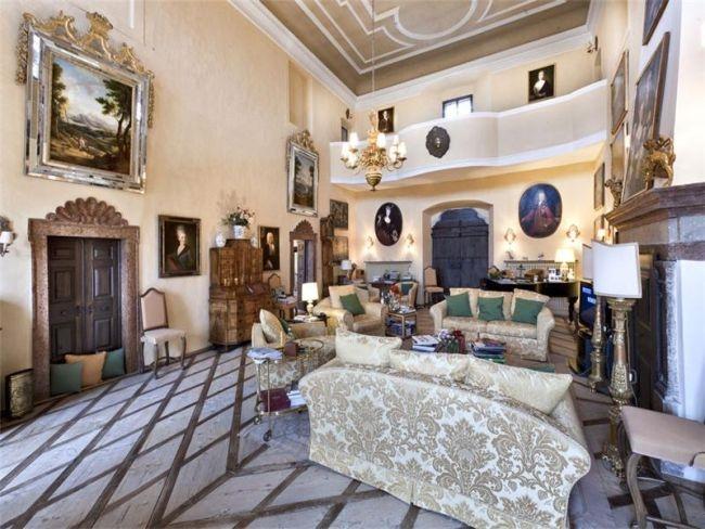 Castel Valer, in Val di Non, all'asta su Sotheby's #Castle