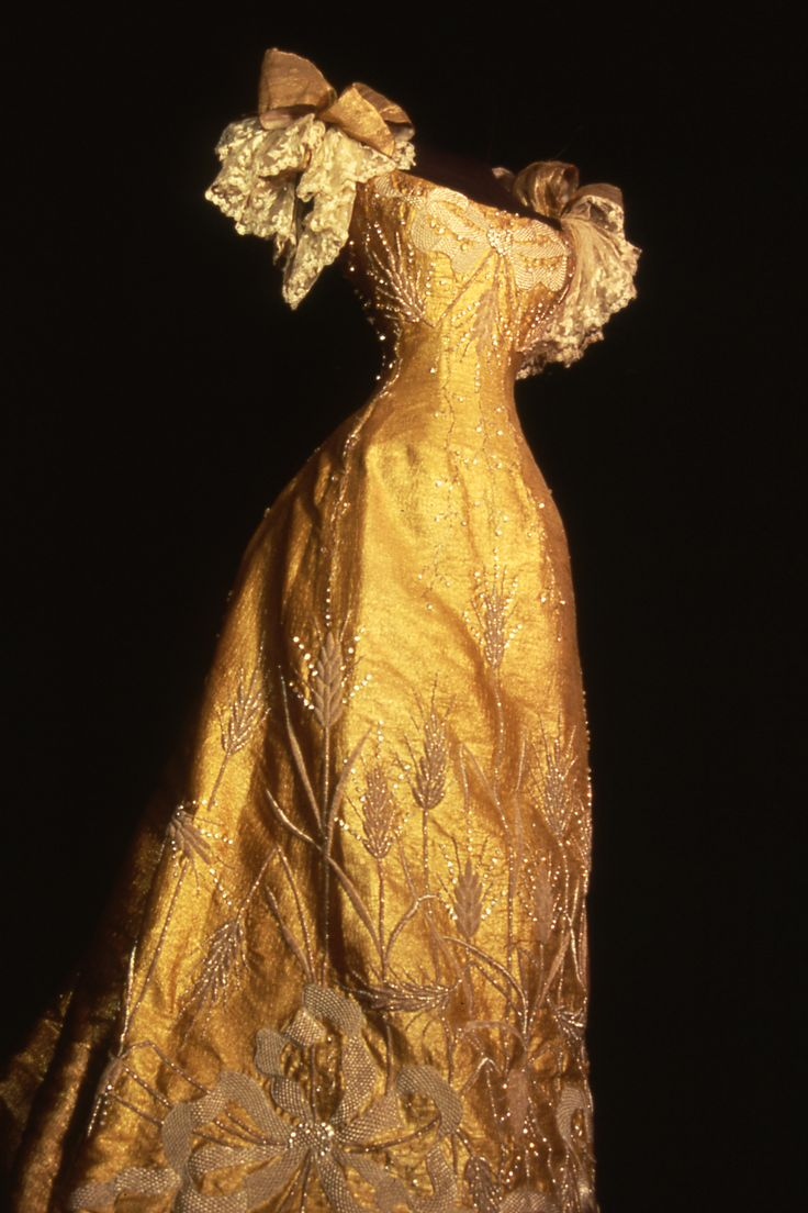 Coronation gown, Queen Marie of Romania. Collection of Maryhill Museum of Art.