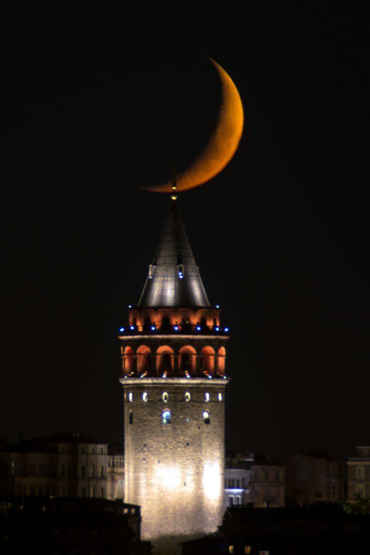 istanbul's eyes( galata tower,istanbul ) **by Yaşar Koç