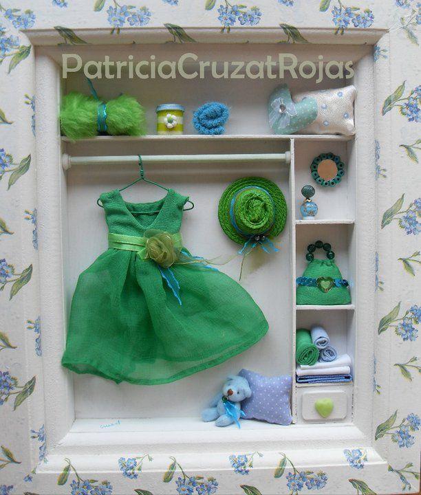Cuadro Ropero con Miniaturas. Verde, Celeste y Blanco.