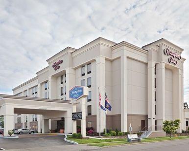 Hampton Inn Niagara Falls Hotel, NY - Hotel Exterior Day