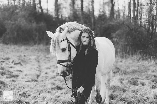 Luiza Almeida and white horse Vendaval on my blog! Check it out via www.christinalou.de/2016/03/luiza-almeida #dressage #horses #horse #olympics #love #horserider #horsepicture #luizaalmeida #christinalouisephotography #düsseldorf #winter #horsepictures #whitehorse #model #horsemodel