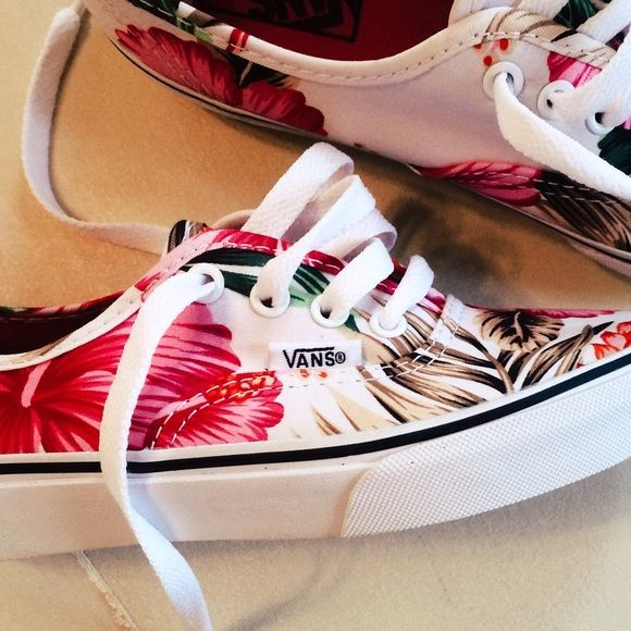 Hawaiian Vans NWOT or box. Never worn Vans. I usually can fit it a kids 3 which…