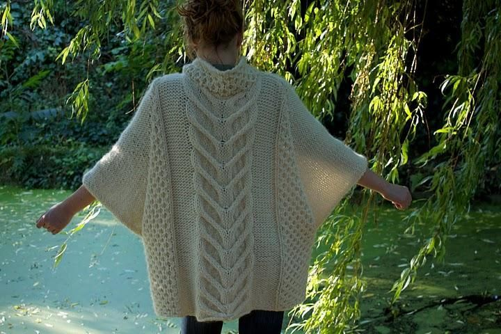 Vogue Knitting Cape Pattern : 10 Best images about Knit poncho/shawl/scarf ?? on Pinterest Cable, Ravelry...