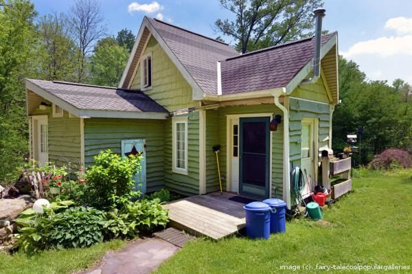 A Couple Built a 450-Sq-Ft Fairy Tale Home. When I Saw It, I Screamed! (13 pictures)