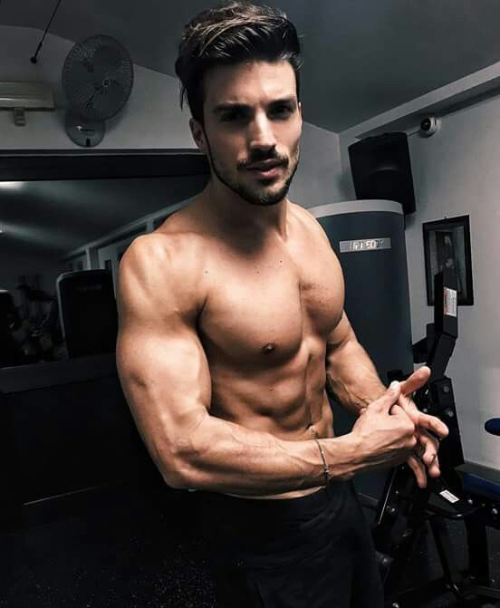 Mariano Di Vaio https://www.amazon.co.uk/Sports-Kinesiology-Tape-Performance-Waterproof/dp/B06VWMGCCQ/ref=sr_1_1_a_it?ie=UTF8&qid=1495631311&sr=8-1&keywords=kingseye