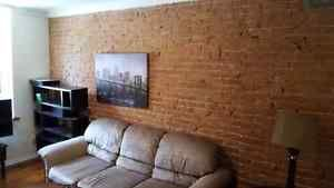 2 bedroom apartment 79 queen street for rent $945/month Kingston Kingston Area image 1