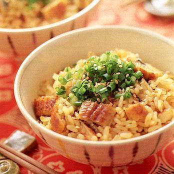 レタスクラブの簡単料理レシピ 添付のたれを利用してラクラク炊き込みご飯「うなぎご飯」のレシピです。
