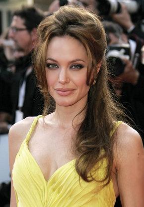 Angelina Jolie's voluminous half-up do