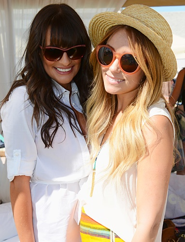 Style icons Lauren Conrad and Lea Michele rock the festival trend at Coachella: Straws Hats, Beaches Hairstyles, Desert Pools, Fashion Blog, Celebrity Fashion, Pools Parties, Lauren Conrad, Lea Michele, Celebrity Beaches