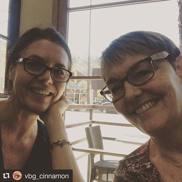 Always a delight to share social media marketing tips with new friends!  #Repost @vbg_cinnamon  Lunch meeting with @denisewakeman brainstorming about social marketing about my R.M.Schindler documentary #documentary #modernarchitecture #rudolphschindler