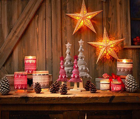 199 Kč Svícny jsou působivá dekorace. Tyto skleněné svícny jsou zdobeny látkovou manžetou v norském stylu a vytvářejí speciální světelné efekty. Svícny jsou dodávány se dvěma čajovými svíčkami.   Barva:  manžety šedo-bílá a červeno-bílá