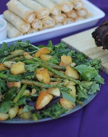 Rugola salad with roasted potato and asparagus | Roketslaai met geroosterde aartappels en aspersies #recipe #vegetarian #rocket