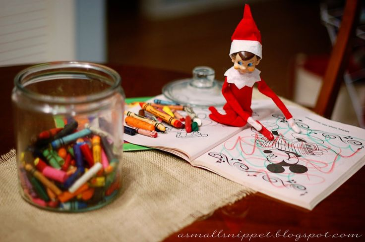 Elf on the Shelf...HILARIOUS and super creative photos on this blog! Makes me want to join in the fun haha!