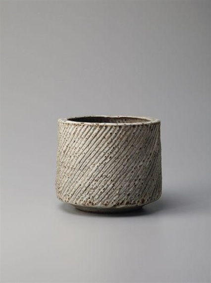 Lucie Rie #ceramics #pottery #porcelain #陶磁器 #うつわ #焼きもの #作家もの