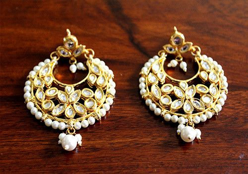 Kundan Earring – Desically Ethnic. Shop now at desicallyethnic.com  #Desicallyethnic #Desi #Ethnic #Vintage #Indian #Accessories #Shopnow #Onlineshopping #kundan #jewellery #jewelsofindia #earring