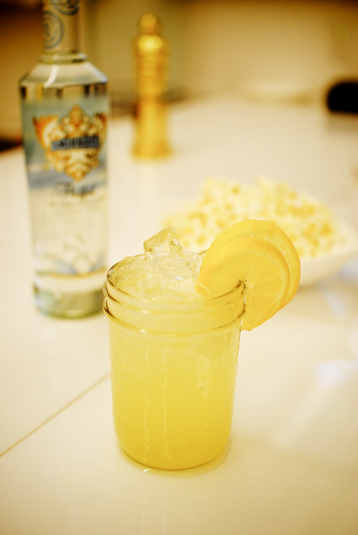 17 best images about viewing party on pinterest sour mix for Lemon cocktails drinks recipes