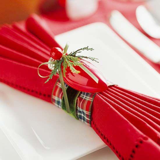 Festive Christmas Napkin Ideas and Place Settings