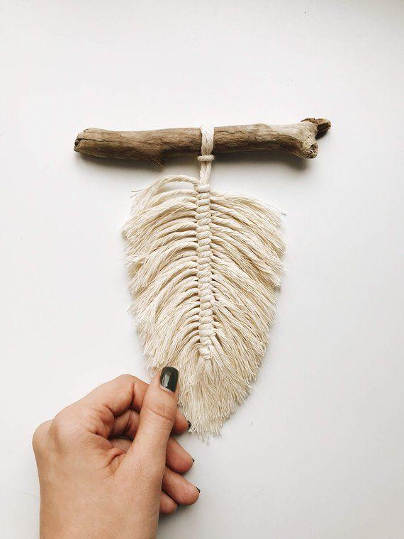 DIY Craft: Small macrame wall hanging Macrame feather Boho feathers | Etsy