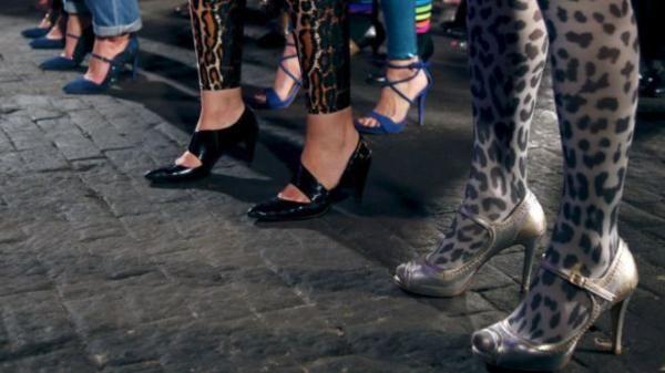 Sepatu Hak Tinggi Dilarang di Italia karena Gempa