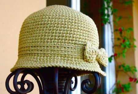 chapeau cloche au crochet par druidesse en herbe