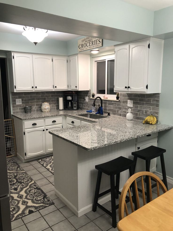 Kitchen cabinets painted with Chantily Lace (Benjamin ...