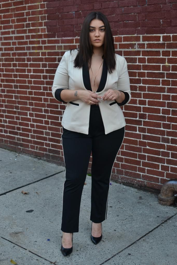 Fashion Blogger Spotlight on Nadia  http://thecurvyfashionista.com/2014/12/fashion-blogger-spotlight-nadia-of-nadia-aboulhosn/