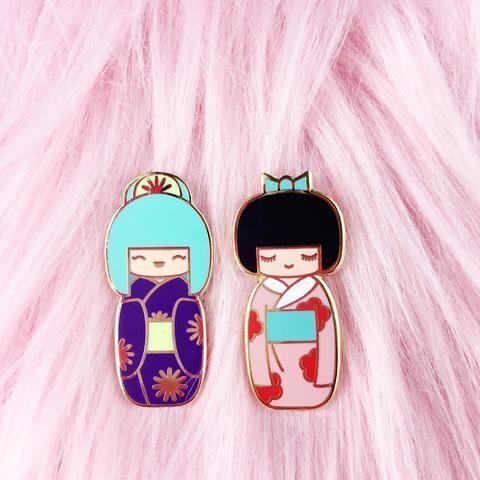 'Traditional Kokeshi' Pin (2 Colors!)