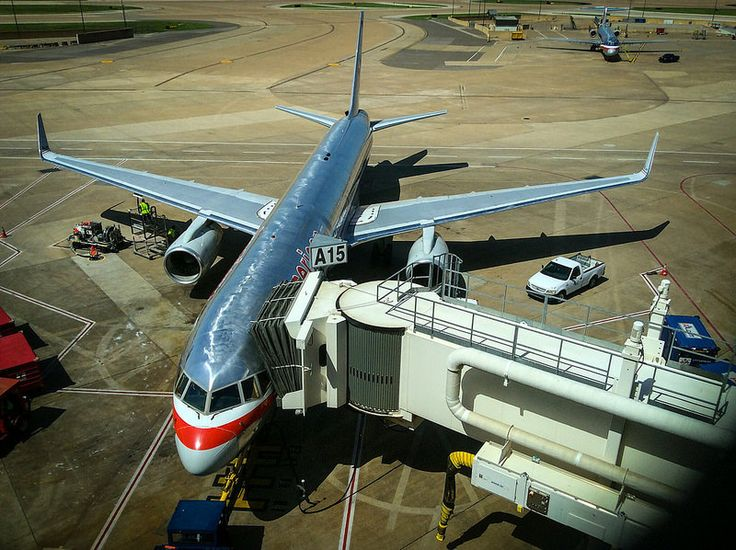 American 757-200 DFW Airport   Aircraft Photos by Tom ...